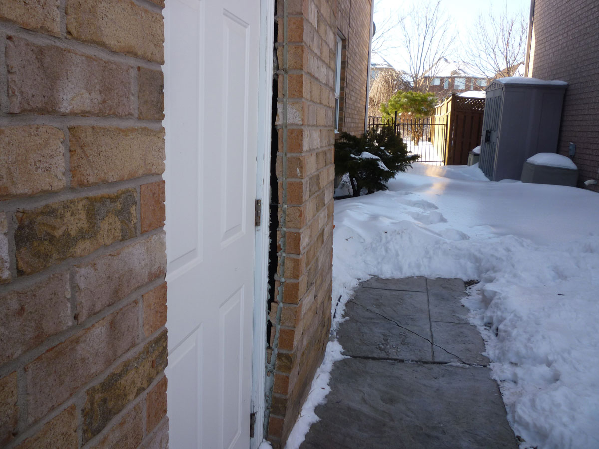 The effects of frost adhesion on homes
